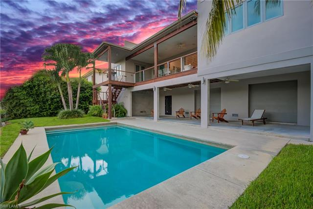 11671 Isle Of Palms Dr, Fort Myers Beach, FL 33931