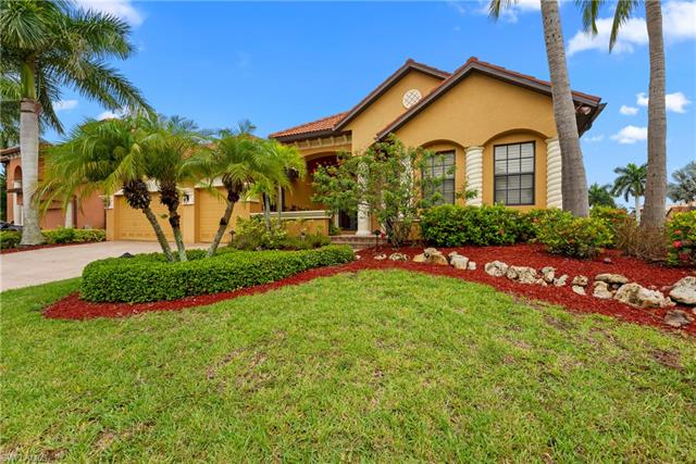 8951 Tropical Ct, Fort Myers, FL 33908