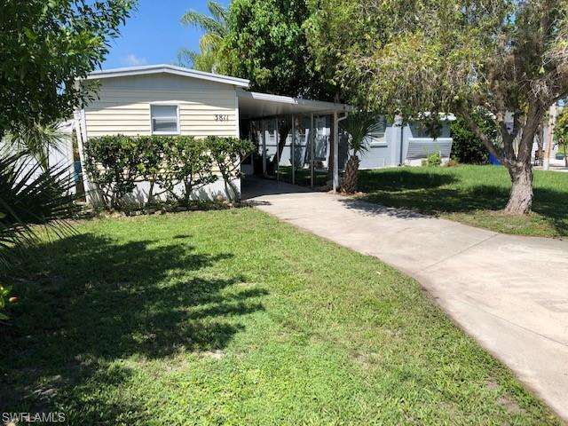 3811 Coconut Dr, Other, FL 33956