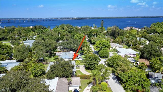 1242 Stadler Dr, Fort Myers, FL 33901