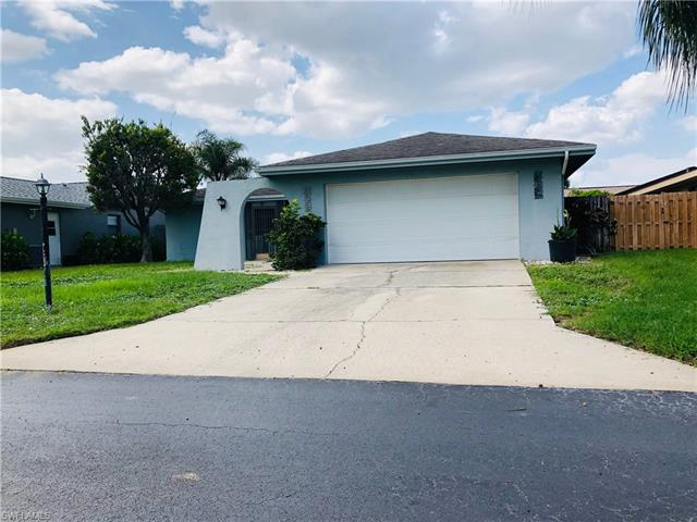 9730 Deerfoot Dr, Fort Myers, FL 33919