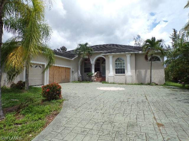7255 Lake Dr, Fort Myers, FL 33908