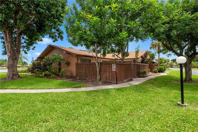 17309 Timber Oak Ln, Fort Myers, FL 33908