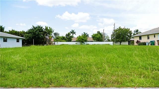 213 Sw 32nd Ter, Cape Coral, FL 33914