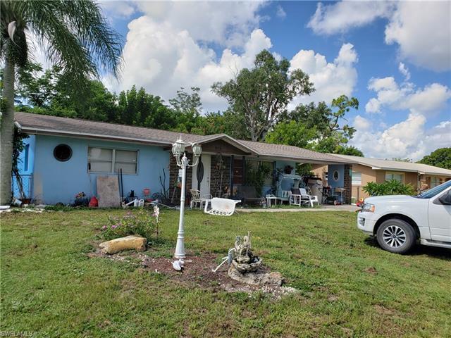 915 Hudson Ave, Lehigh Acres, FL 33936