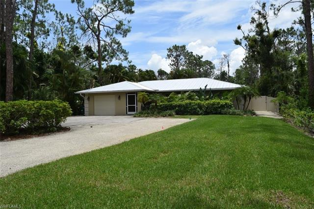 6120 English Oaks Ln, Naples, FL 34119