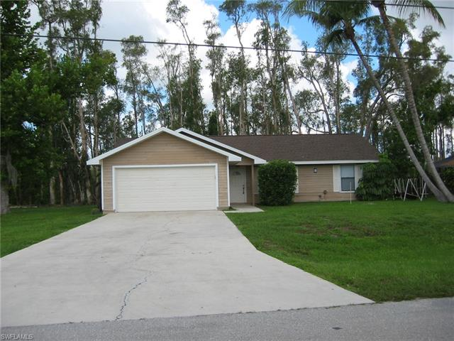 17208 Phlox Dr, Fort Myers, FL 33967