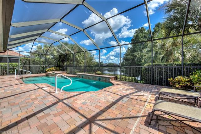 8901 Crown Colony Blvd, Fort Myers, FL 33908