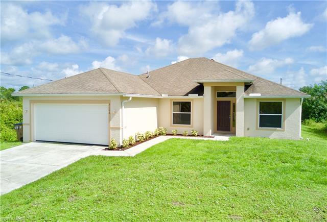 3008 54th St W, Lehigh Acres, FL 33971
