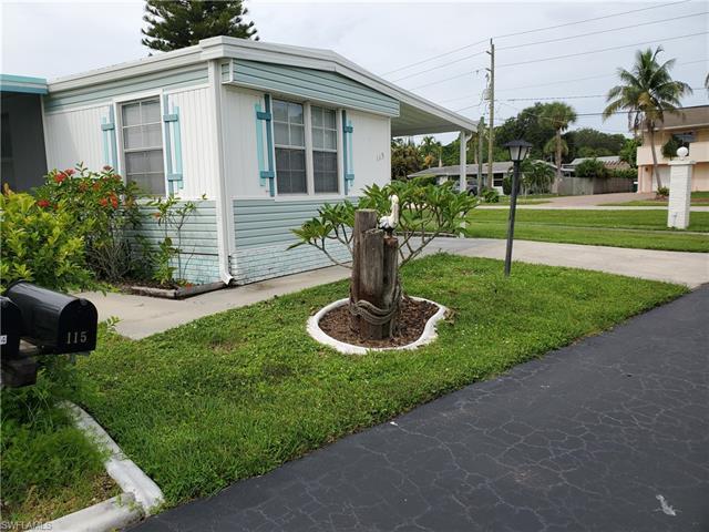 115 Maple Ln, Fort Myers, FL 33908
