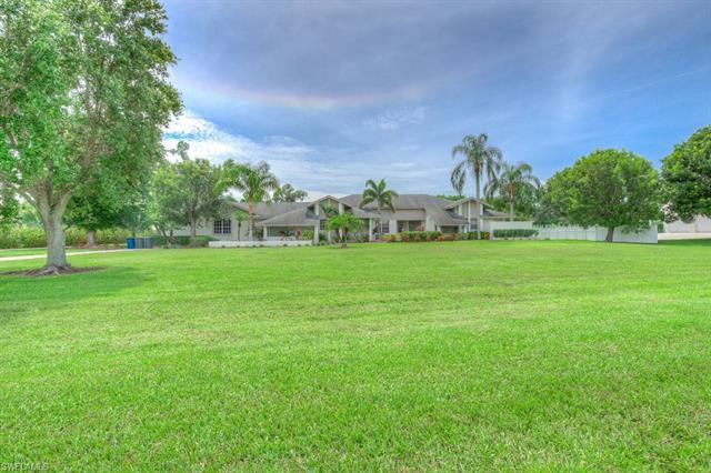 9025 Ligon Ct, Fort Myers, FL 33908
