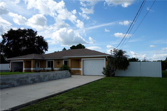 4520 Douglas Ln, Lehigh Acres, FL 33973