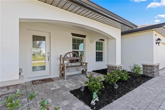 1237 Sw 18th Ave, Cape Coral, FL 33991