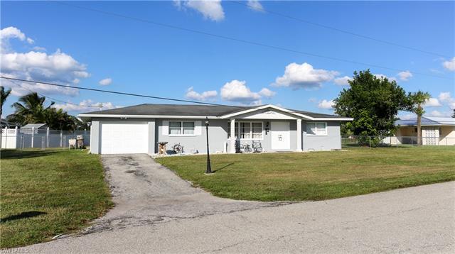 401 Bear St E, Lehigh Acres, FL 33936