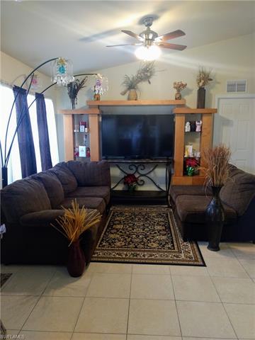 4420 27th St Sw, Lehigh Acres, FL 33973