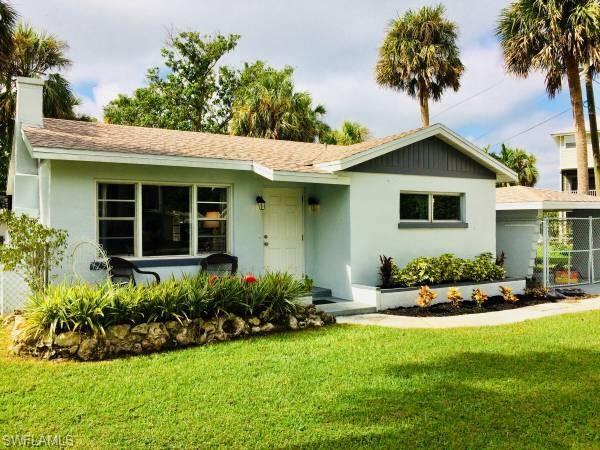 212 Granada Blvd, Fort Myers, FL 33905