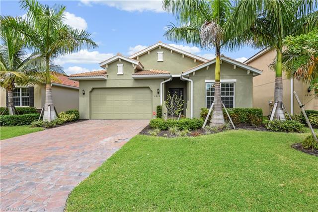 3216 Royal Gardens Ave, Fort Myers, FL 33916