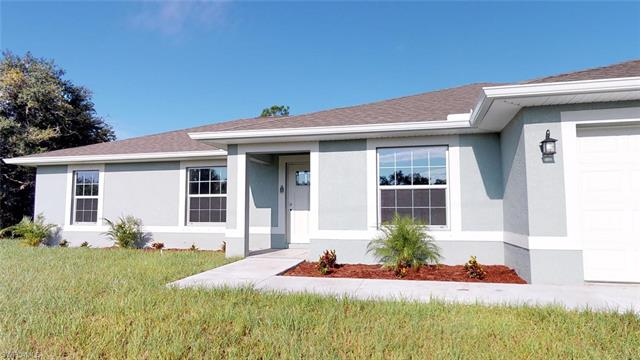 1811 Roosevelt Ave, Lehigh Acres, FL 33972
