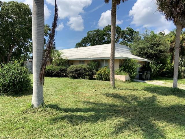 6923 Old Whiskey Creek Dr, Fort Myers, FL 33919