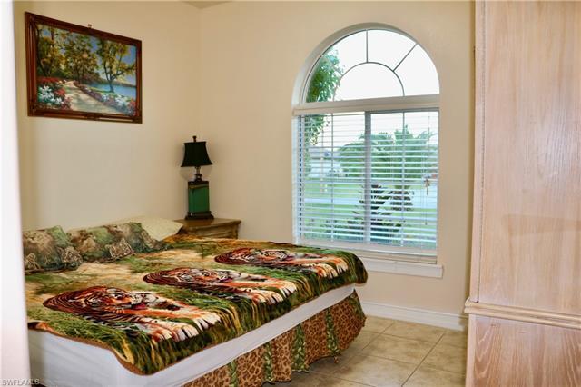 909 Unice Ave N, Lehigh Acres, FL 33971