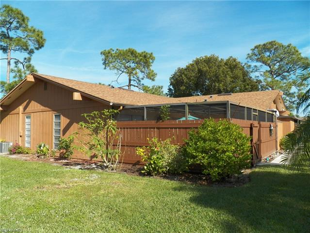5652 Foxlake Dr, North Fort Myers, FL 33917