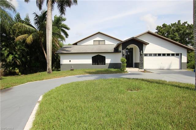 95 Schneider Dr, Fort Myers, FL 33905