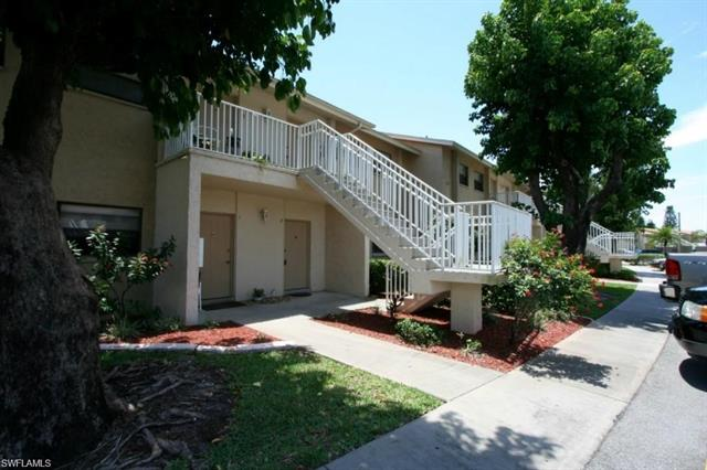 4769 Orange Grove Blvd 2, North Fort Myers, FL 33903