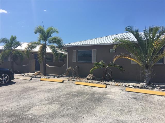 16890 Carmen Ave, Fort Myers, FL 33908