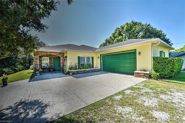 17835 Chesterfield Rd, North Fort Myers, FL 33917