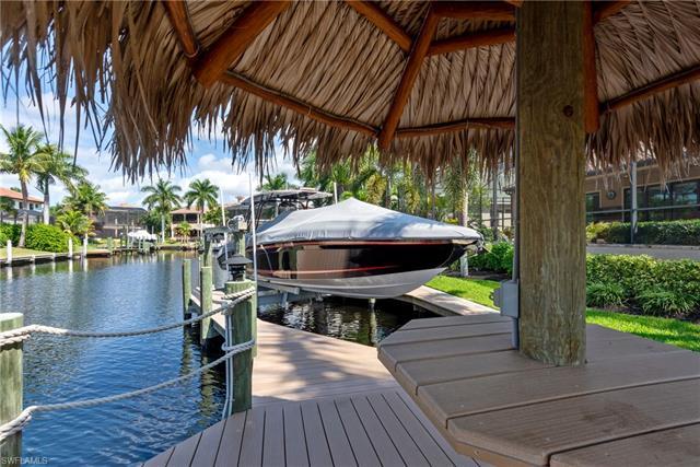 5752 Staysail Ct, Cape Coral, FL 33914