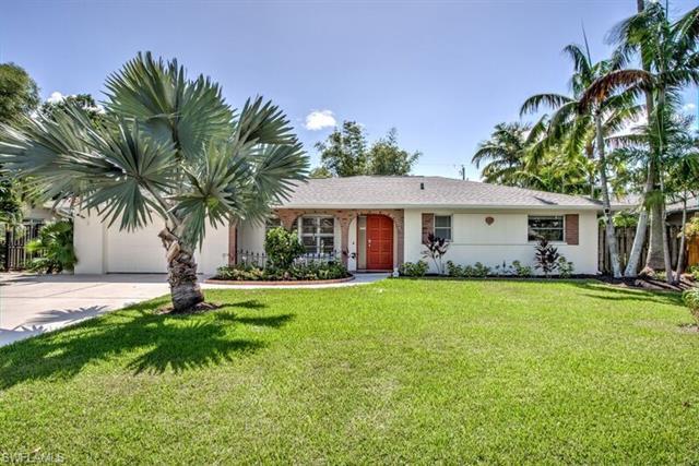 796 Entrada Dr S, Fort Myers, FL 33919