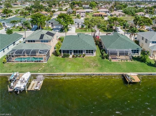 1702 Emerald Cove Dr, Cape Coral, FL 33991