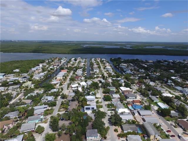 155 Washington Ave, Fort Myers Beach, FL 33931
