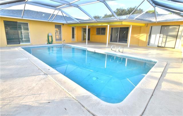 6422 Morgan La Fee Ln, Fort Myers, FL 33912