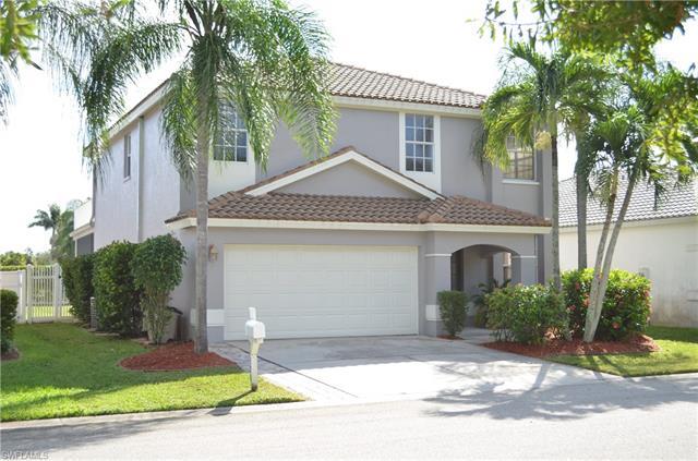 11326 Lakeland Cir, Fort Myers, FL 33913