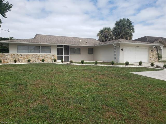 4226 Country Club Blvd, Cape Coral, FL 33904