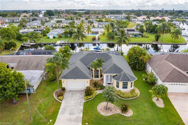 4011 Country Club Blvd, Cape Coral, FL 33904