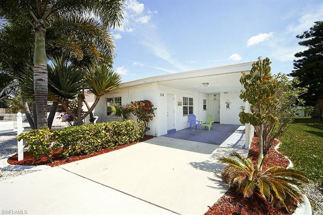 118 Fairweather Ln, Fort Myers Beach, FL 33931