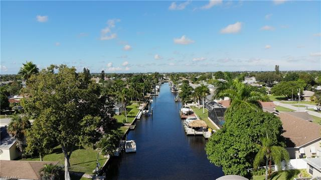 2210 Se 14th Ter, Cape Coral, FL 33990