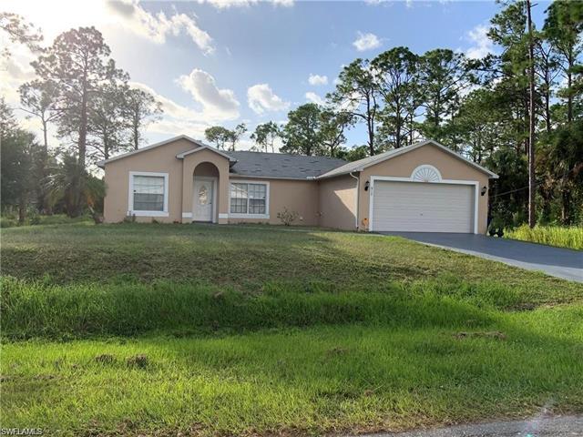 917 Prospect Ave, Lehigh Acres, FL 33972