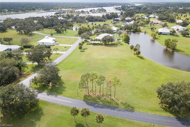 18151 Riverwind Dr, Alva, FL 33920