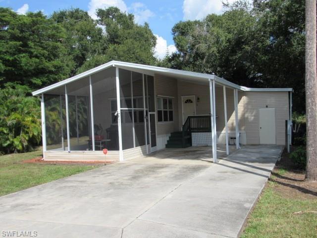 2635 Zoysia Ln, North Fort Myers, FL 33917