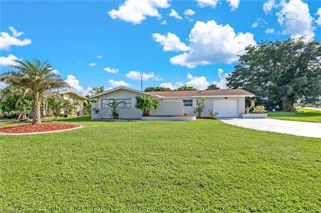 202 Se 46th Ln, Cape Coral, FL 33904