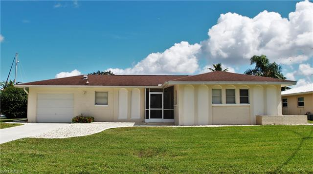 5127 Manor Ct, Cape Coral, FL 33904