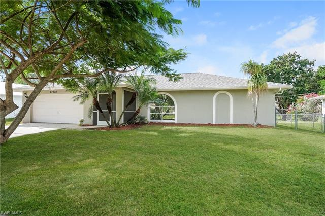 17536 Oriole Rd, Fort Myers, FL 33967