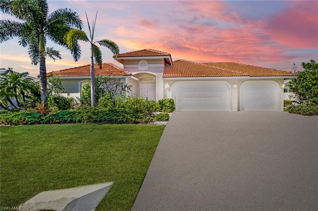 28368 Del Lago Way, Bonita Springs, FL 34135