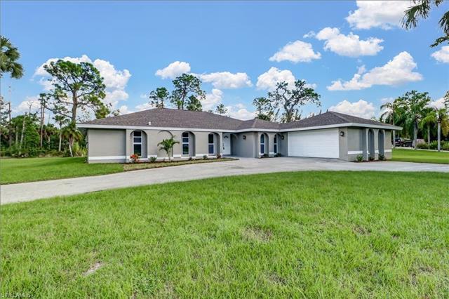 7342 Lake Dr, Fort Myers, FL 33908