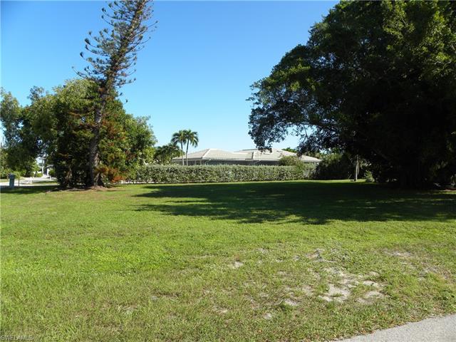 254 Estrellita Dr S, Fort Myers Beach, FL 33931