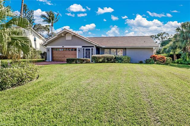 9910 El Greco Cir, Bonita Springs, FL 34135