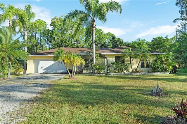 5735 Standing Oaks Ln, Naples, FL 34119